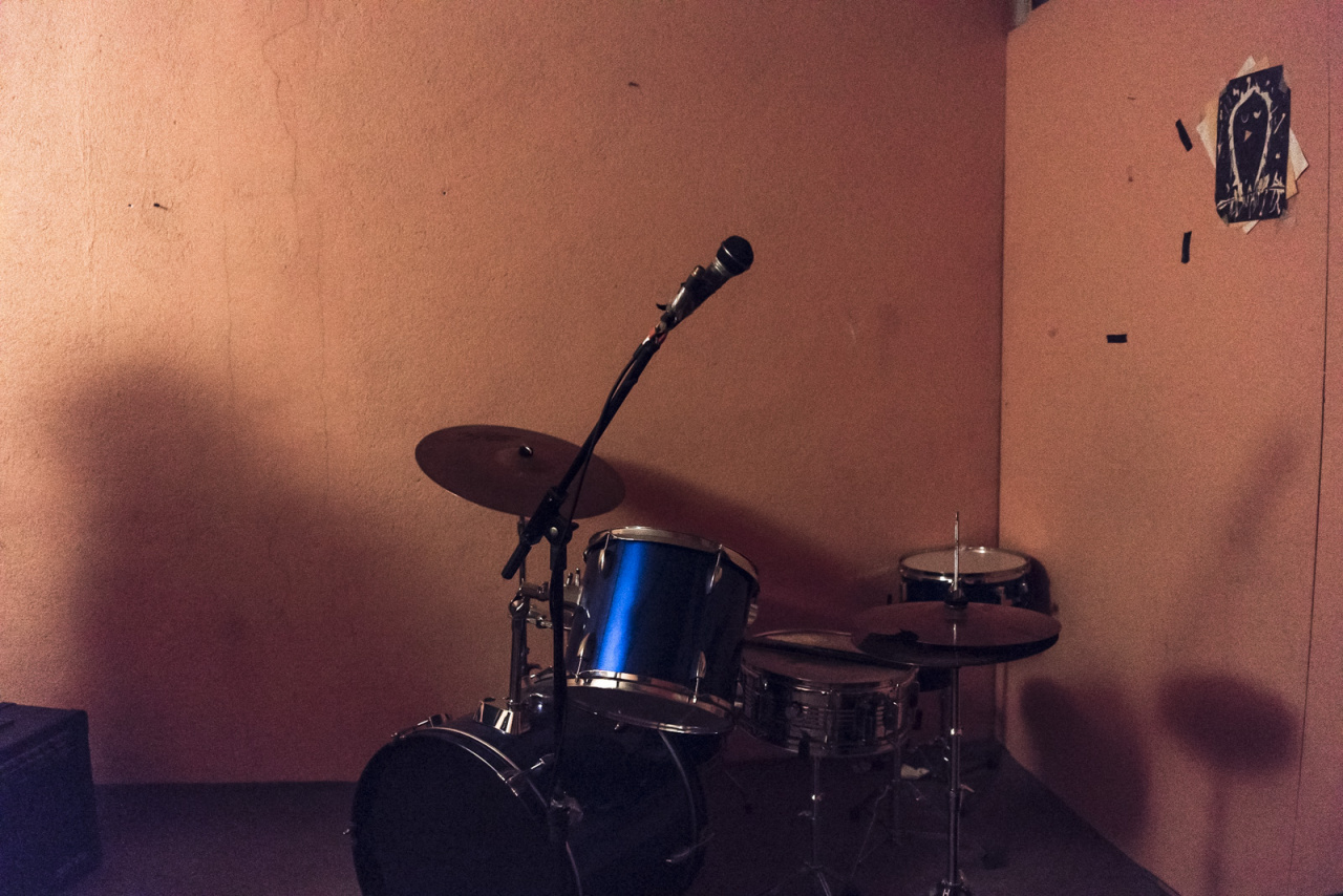 Lonely drumset